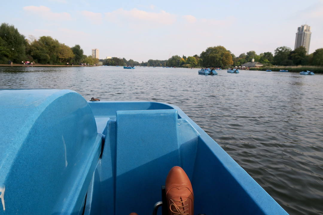 London travel ideas, Paddle Boat, Hyde Park, London