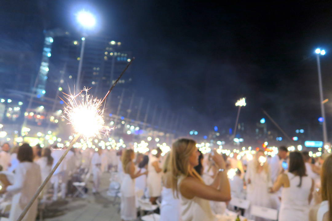 Diner en Blanc Melbourne: here's what happened at the seriously elaborate pop-up picnic