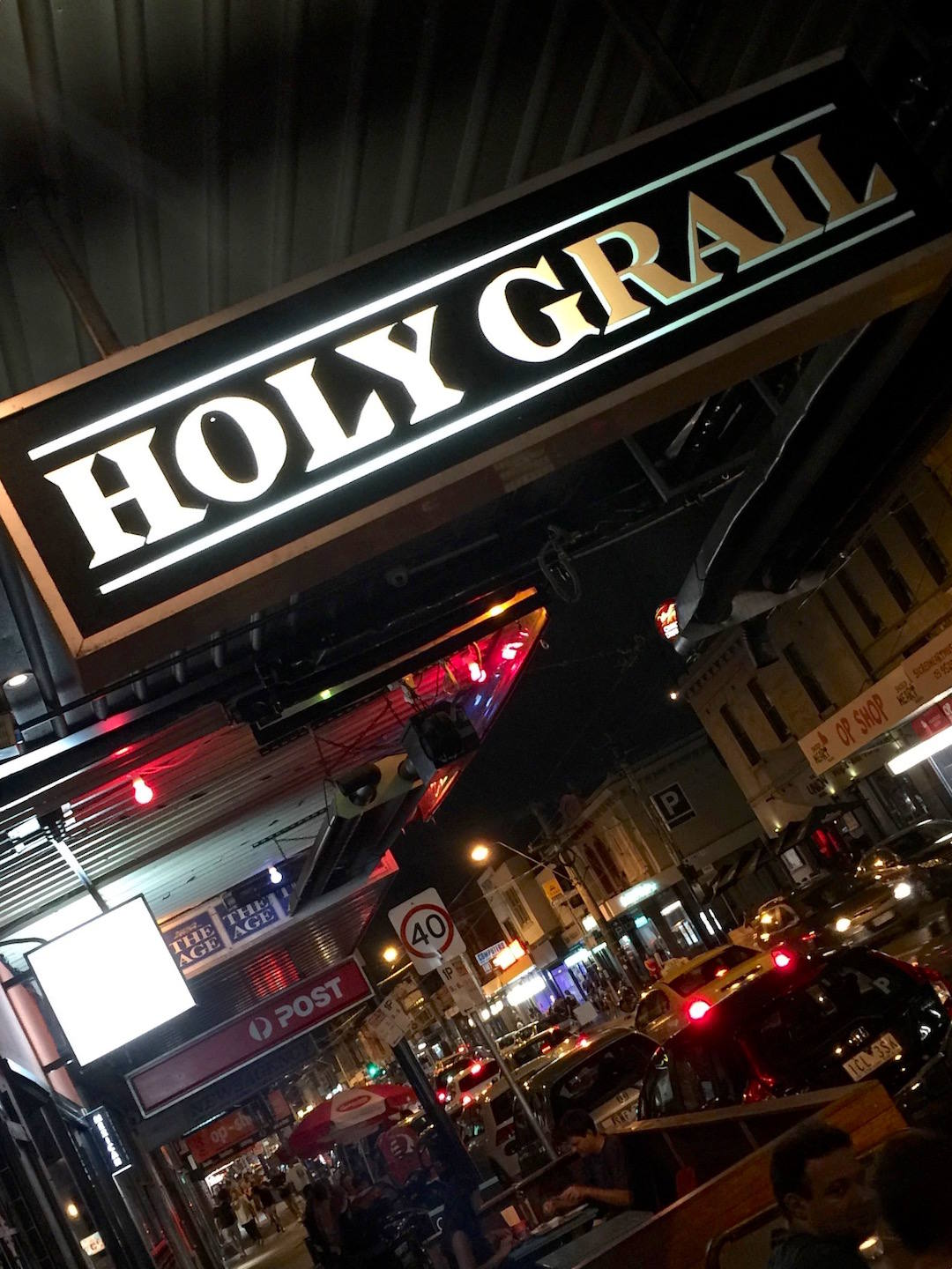Chapel Street bars, Holy Grail, Chapel Street, Windsor hero