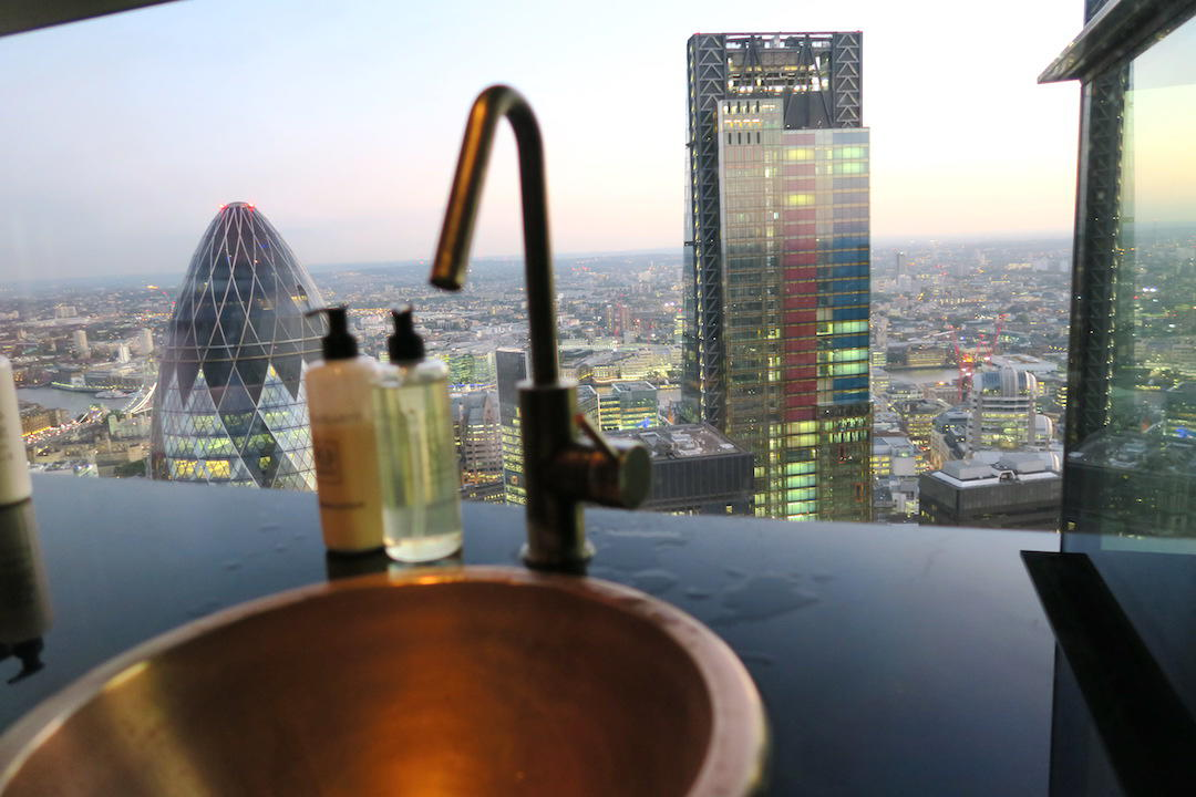 London itinerary 8 days, Bathroom with a view, Sushi Samba, London