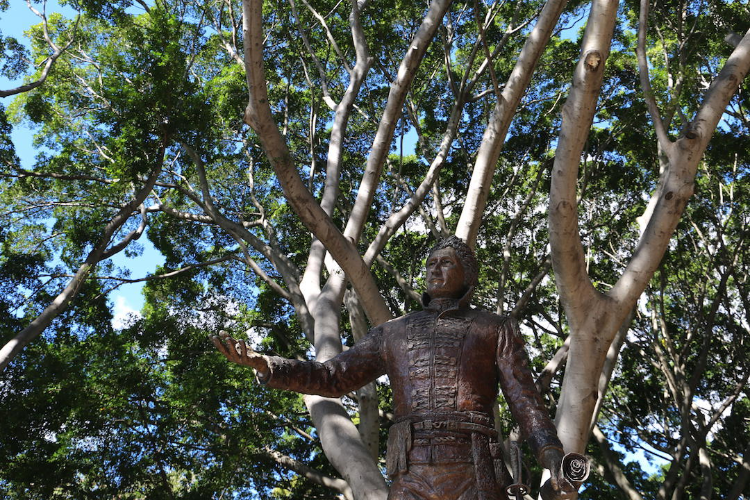 A free walking tour of Sydney, Governor Macquarie Statue, Sydney
